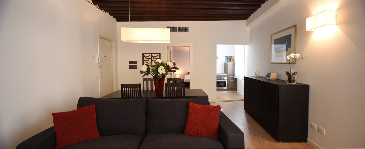 Soggiorno e Angolo cottura Appartamento Piccolo